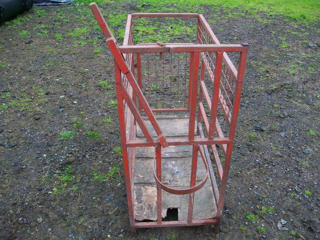 Sheep crate