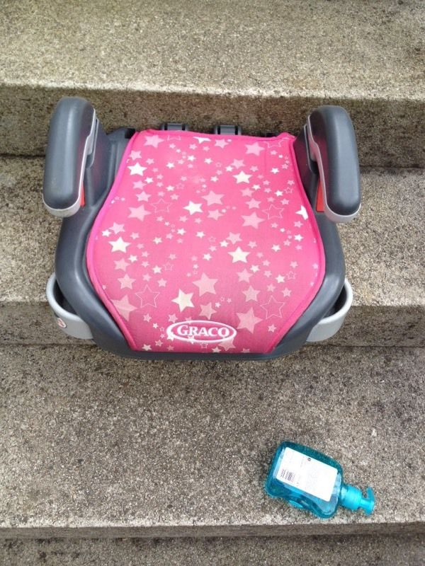 GIRLS PINK GRACO BOOSTER SEAT. GOOD CONDITION