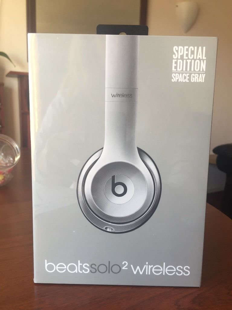 Headphones beats2solo Space Grey Special Edition NEW