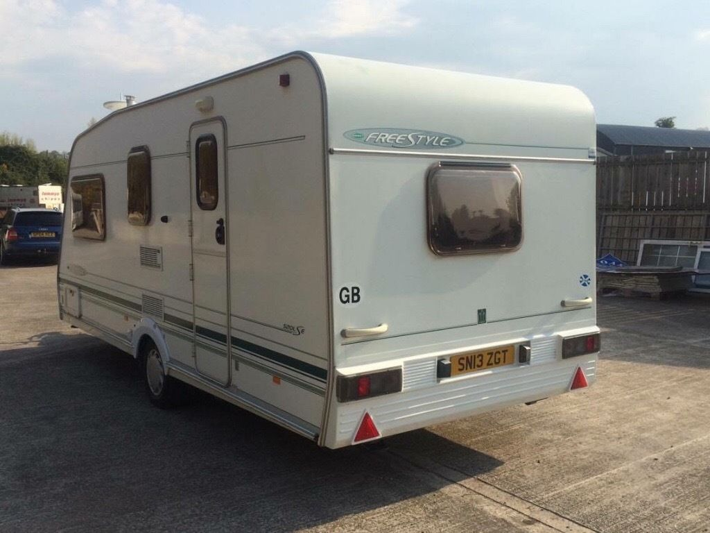Late 2002 Abbey freestyle 4 berth L-lounge motormover full awning