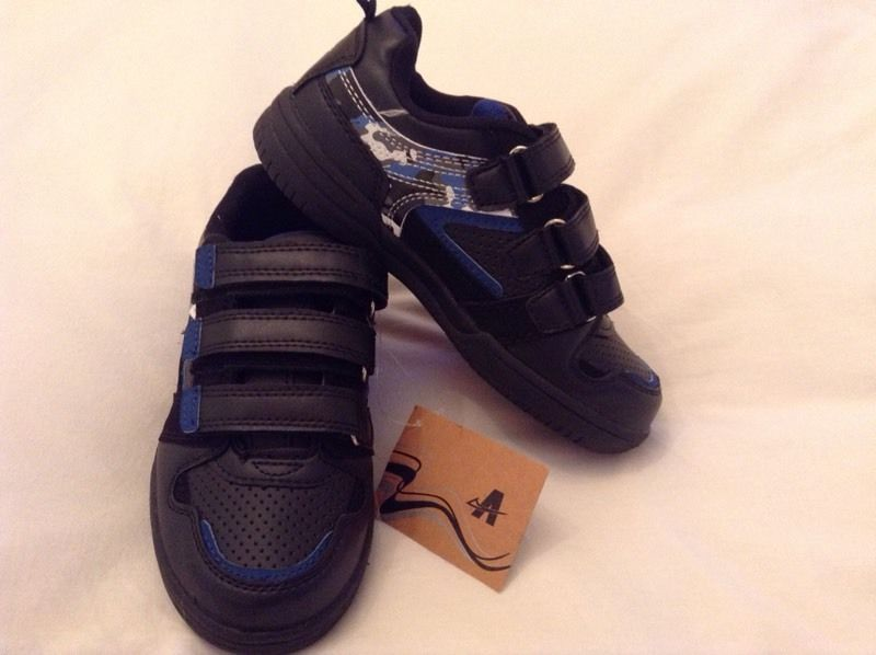 New Boys trainer shoes black size 13