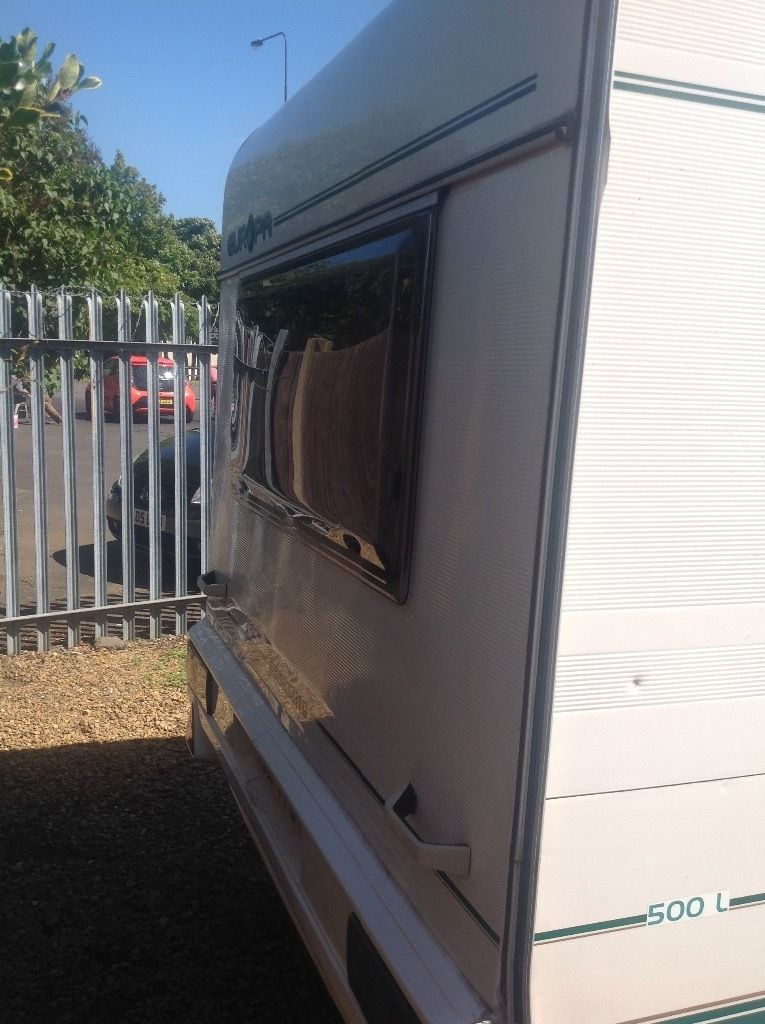 Sterling Europa 500L 1999 5 berth with 2 full awing wheel clamp