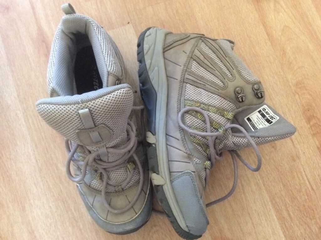 Hi-Tec Vibram grey walking/hiking boots