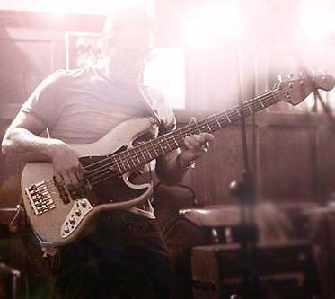 bass guitar lessons in Southend from retired pro