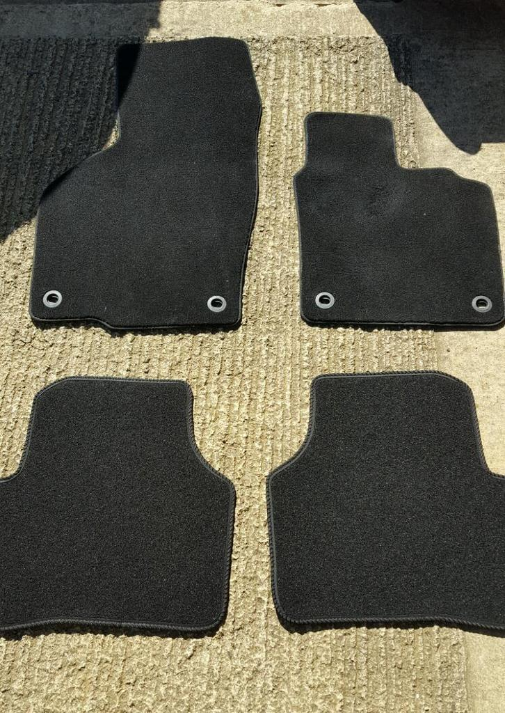 VW Passat B6 & B7 Car Mat Ser