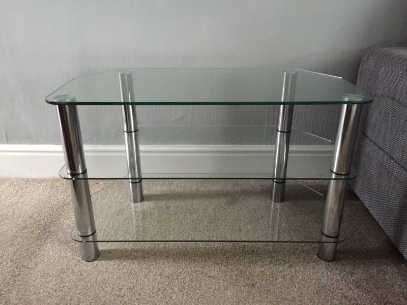 GLASS TV STAND. EXCELLENT CONDITION
