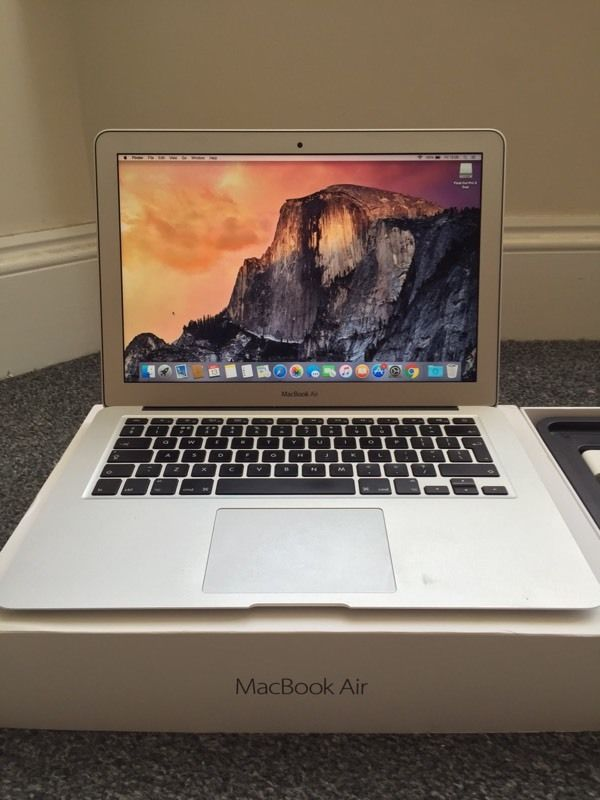 MacBook Air 2015 latest model! Like NEW With warranty!