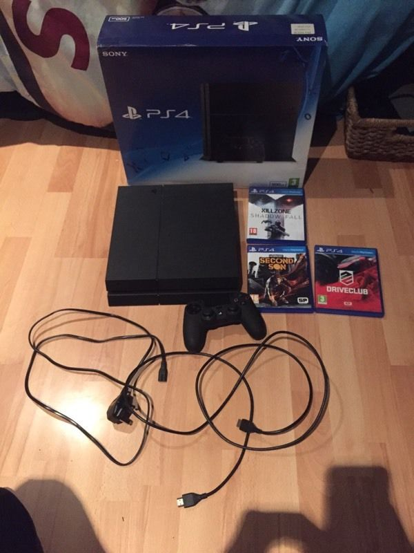 PS4 500Gb Matte black includes Killzone Shadowfall