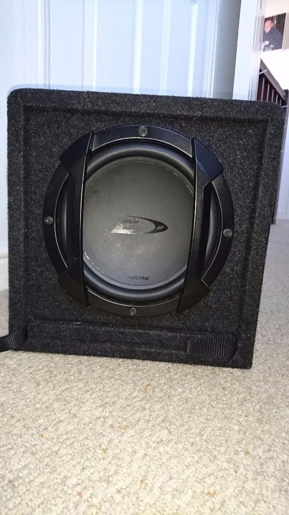 Alpine 8 inch subwoofer and amp