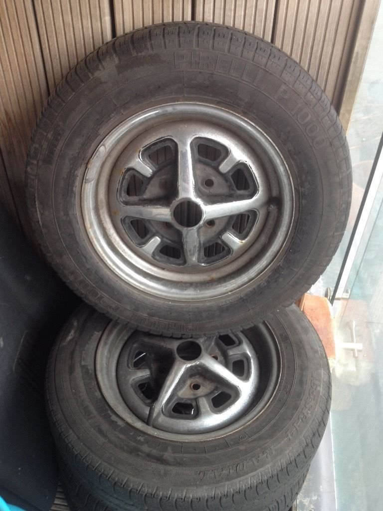 MGB set of 4 wheels with tyres