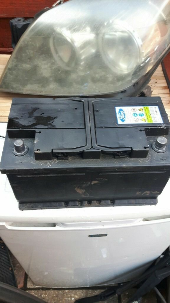 Big heavy duty ford battery 2 weeks old