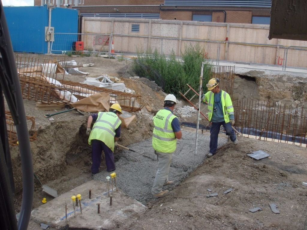 Experienced Ground Workers and Pipe Layers required immediately in Reading