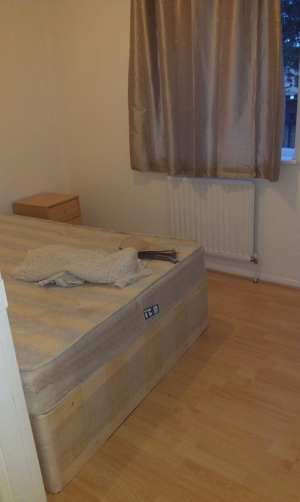 Room available for Single Professional or Student in Backton Canning Town Prince regent Stratford