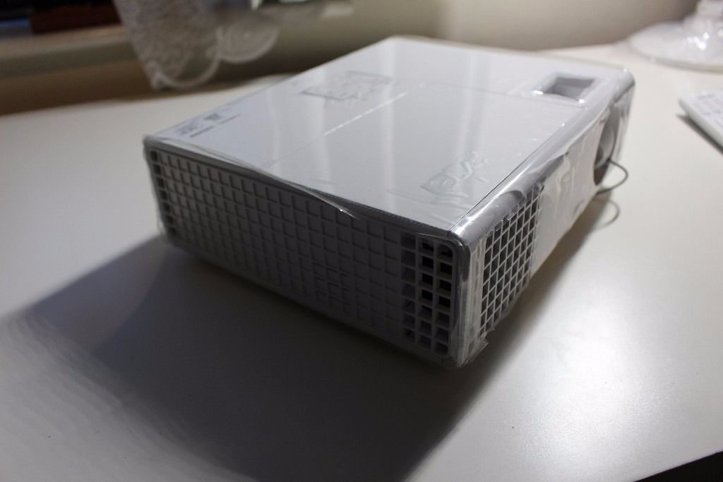 Acer P1173 Home Projector
