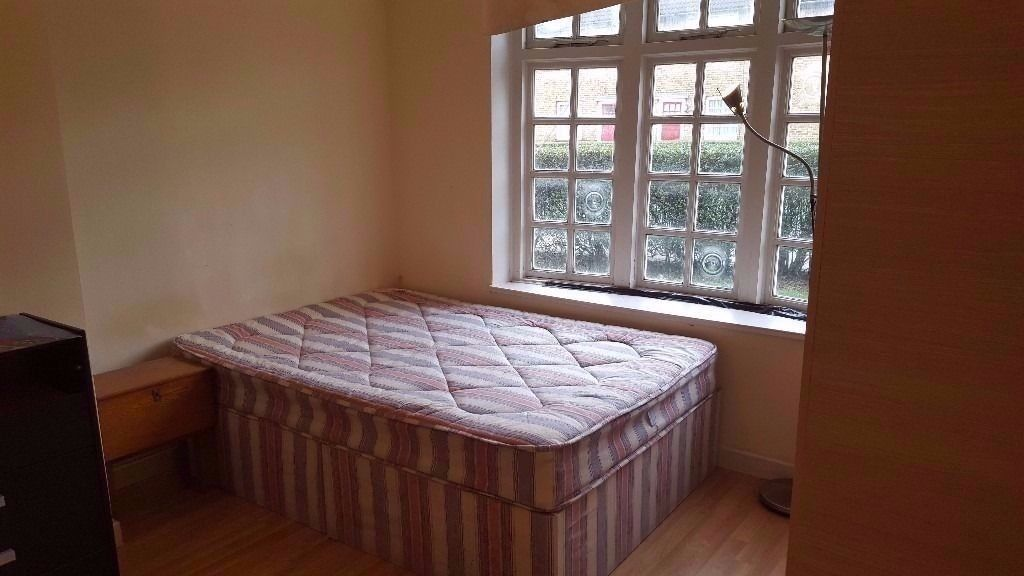 LOVELY DOUBLE/TWIN ROOM IN CANARY WHARF