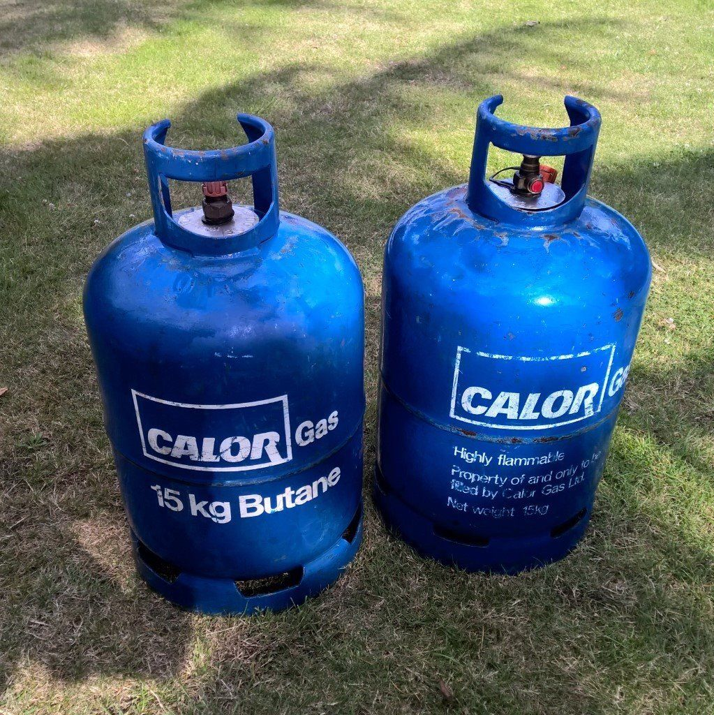 2 x 15kg CALOR BUTANE GAS BOTTLES - one full, one partly used