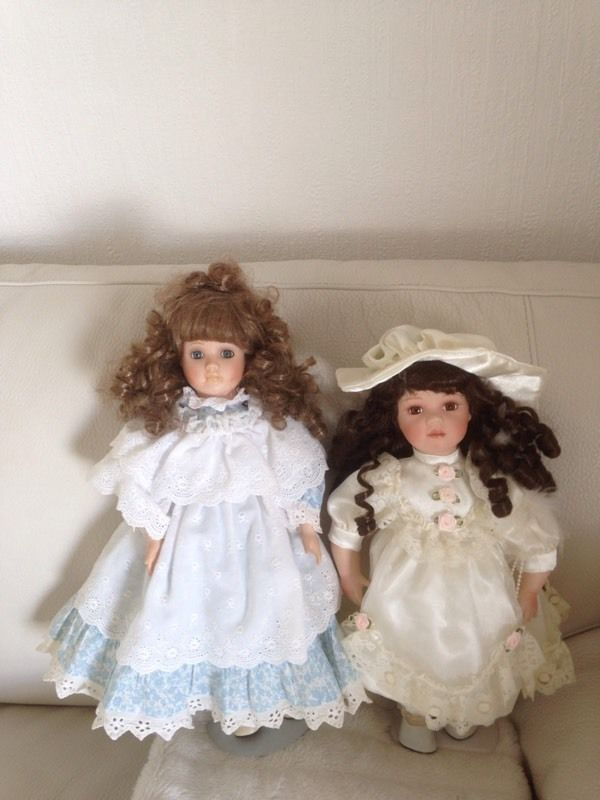 TWO LOVELY DOLLS ON STANDS FOR DISPLAY IMMACULATE CONDITION