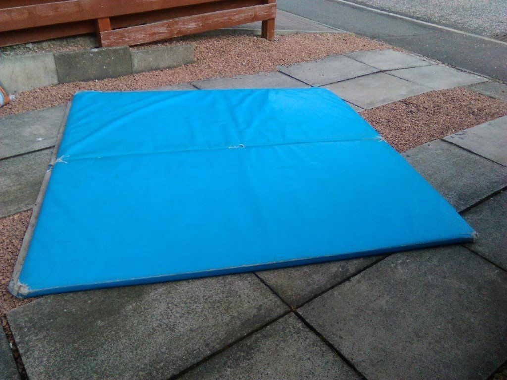 Crash mat approx. 2m square