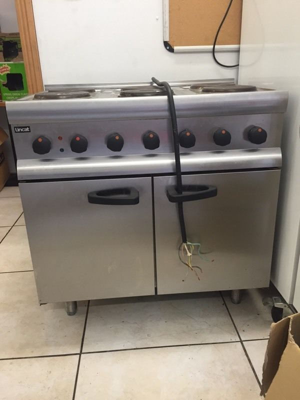 Lincat 6 ring electric hob and oven