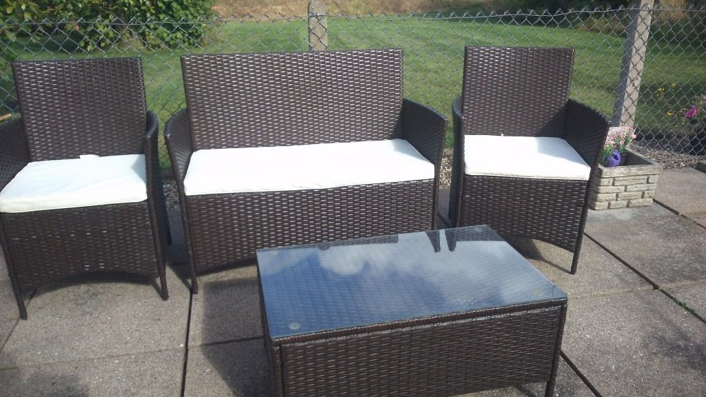 Rattan -effect garden furniture set