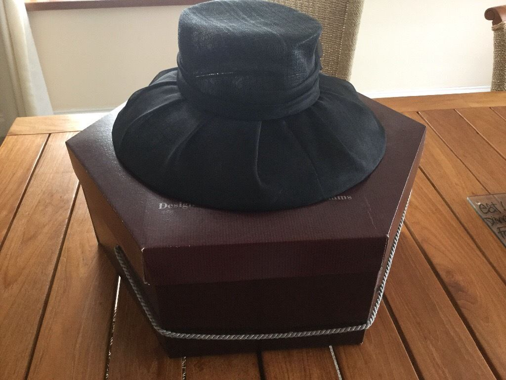 Marks and Spencer Hat with Hat Box