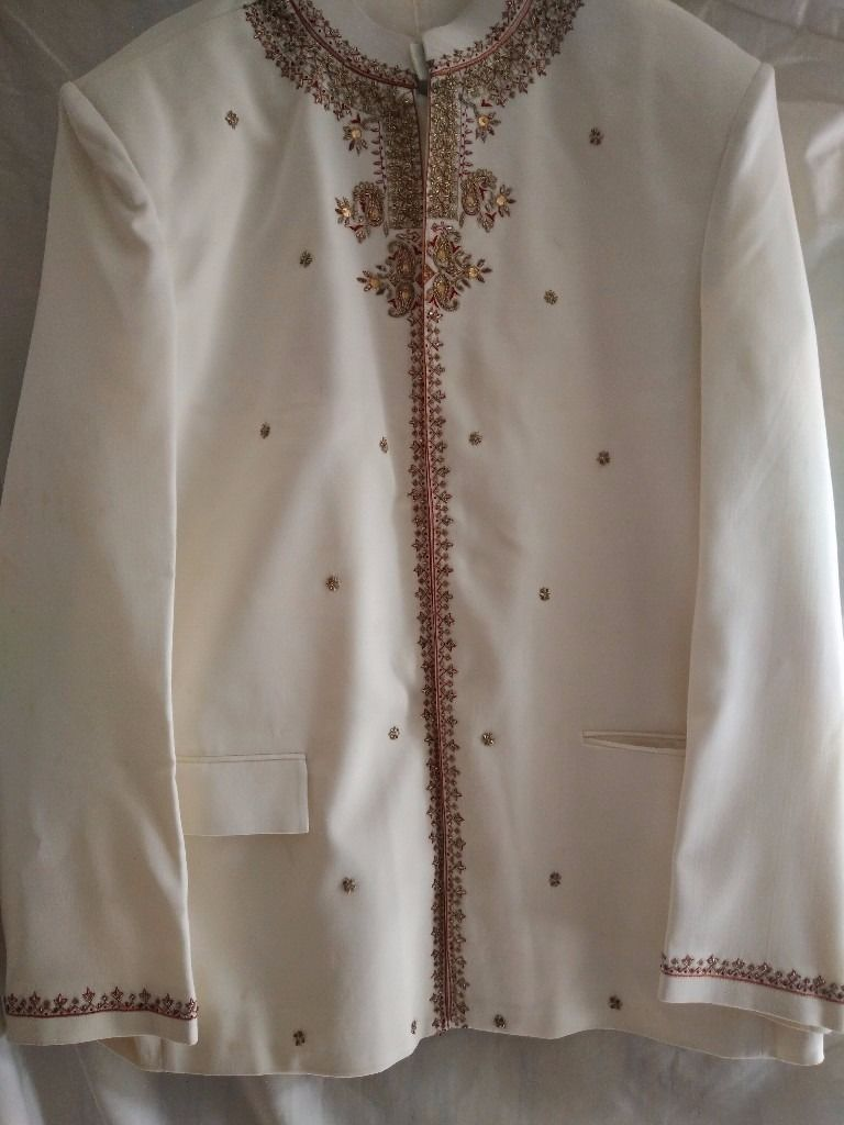 Beige Men's High Collar Indian Suit with Red and Gold Embroidery (Size: 44)