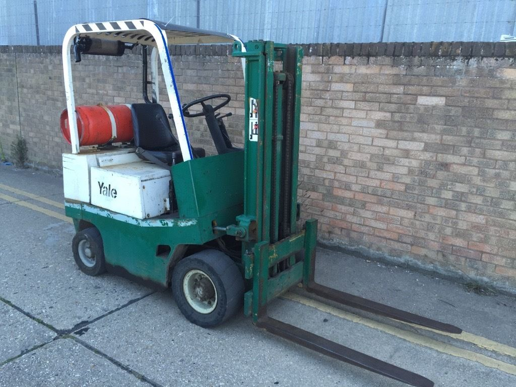 1.5ton Yale has forklift, container spec ready for work