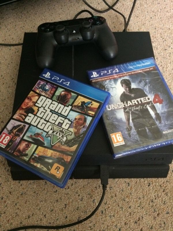 PS4 with GTA5 and Drake 1-4
