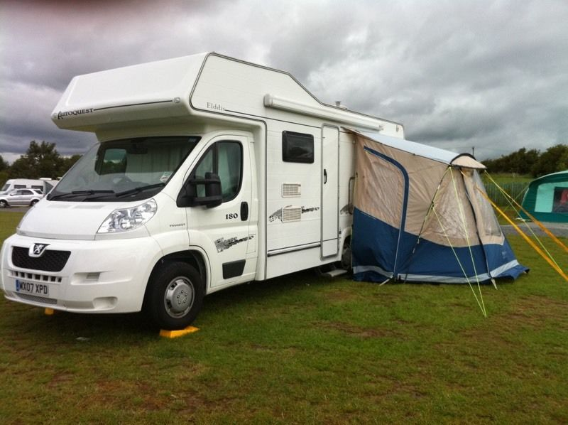 Motorhome awning (not drive away) excellent condition