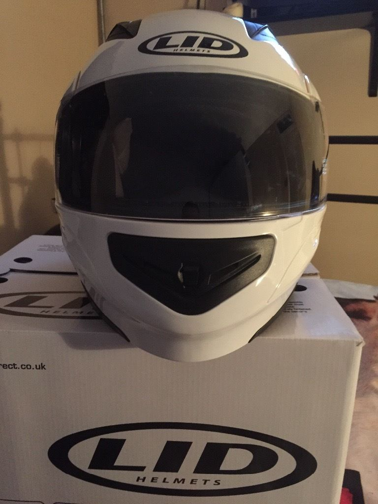 Immaculate LID Motorbike Helmet / Flip Face in Gloss White