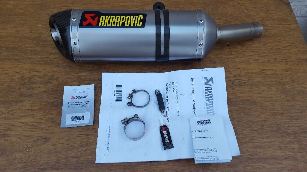 Akrapovic Stainless Steel / Carbon Road Legal Motorcycle Exhaust for Suzuki Gladius SFV650