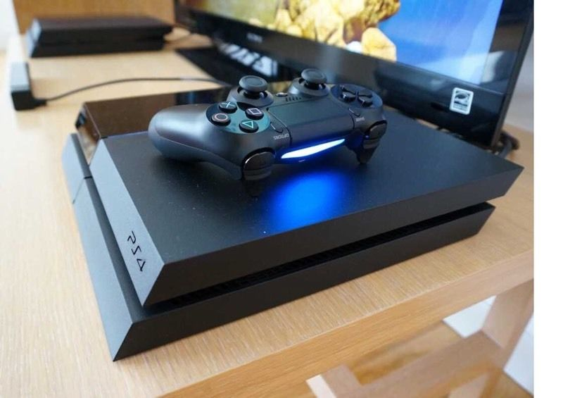 PS4 ***great Condition*** + Extras