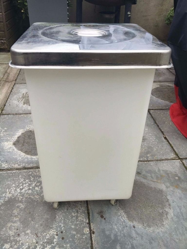 16 litre ingredient bins with chrome lids