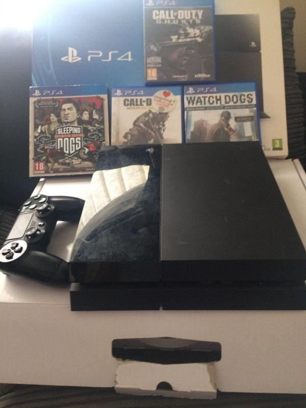 Ps4 for sale or swap for a Xbox one