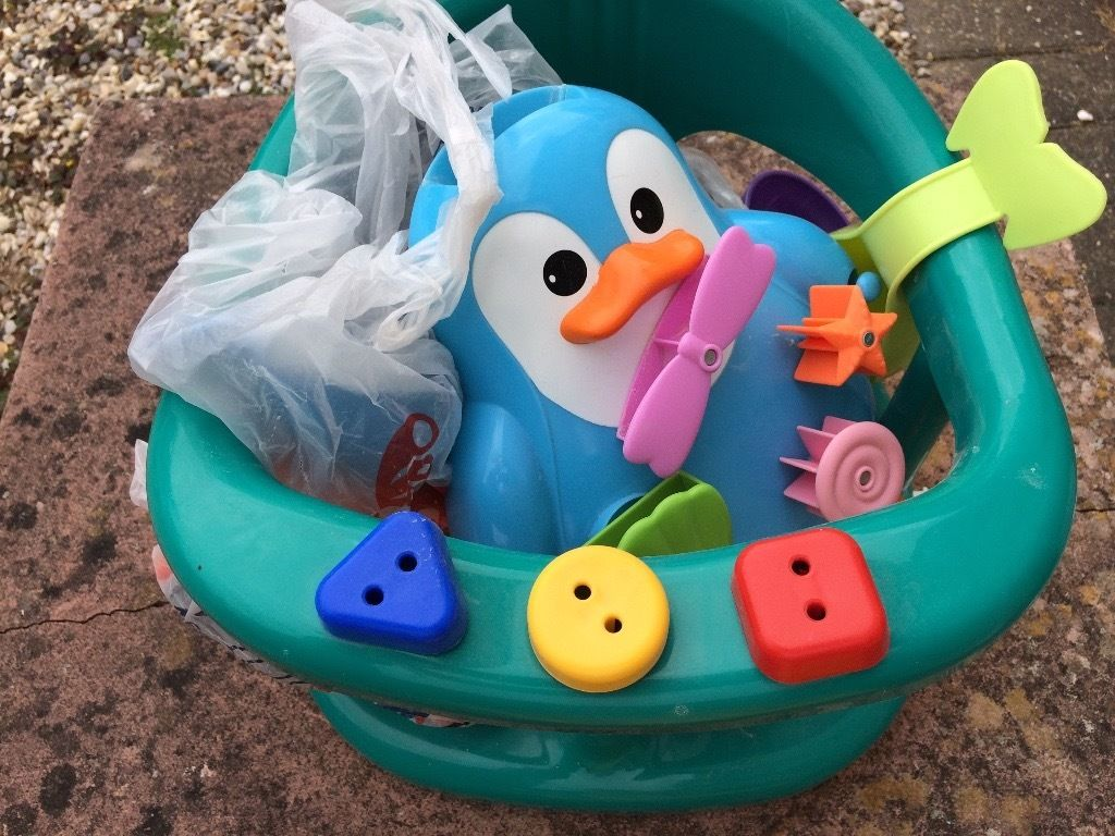 Baby bath seat and toys