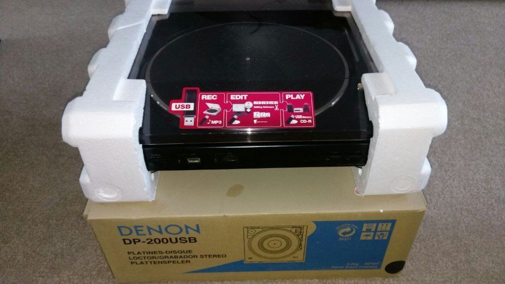 Denon DP-200 USB turn table (record/Vinyl player) - Collection Only