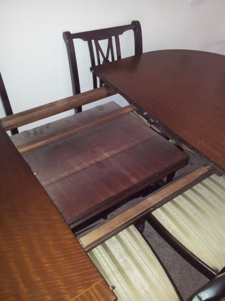 Dining extending table and chairs good condition