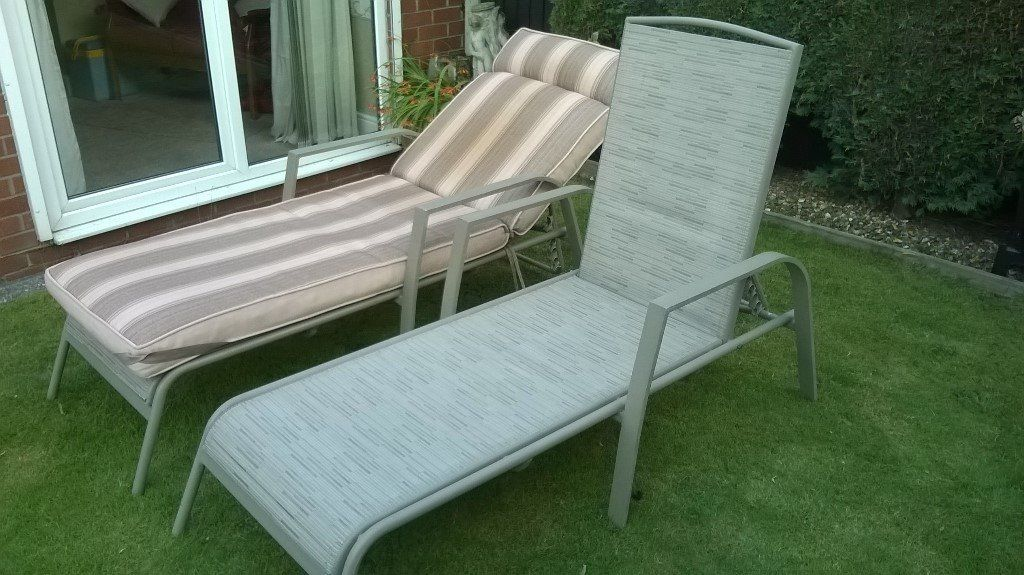 2 Sturdy & Comfy sunloungers for sale, good condition