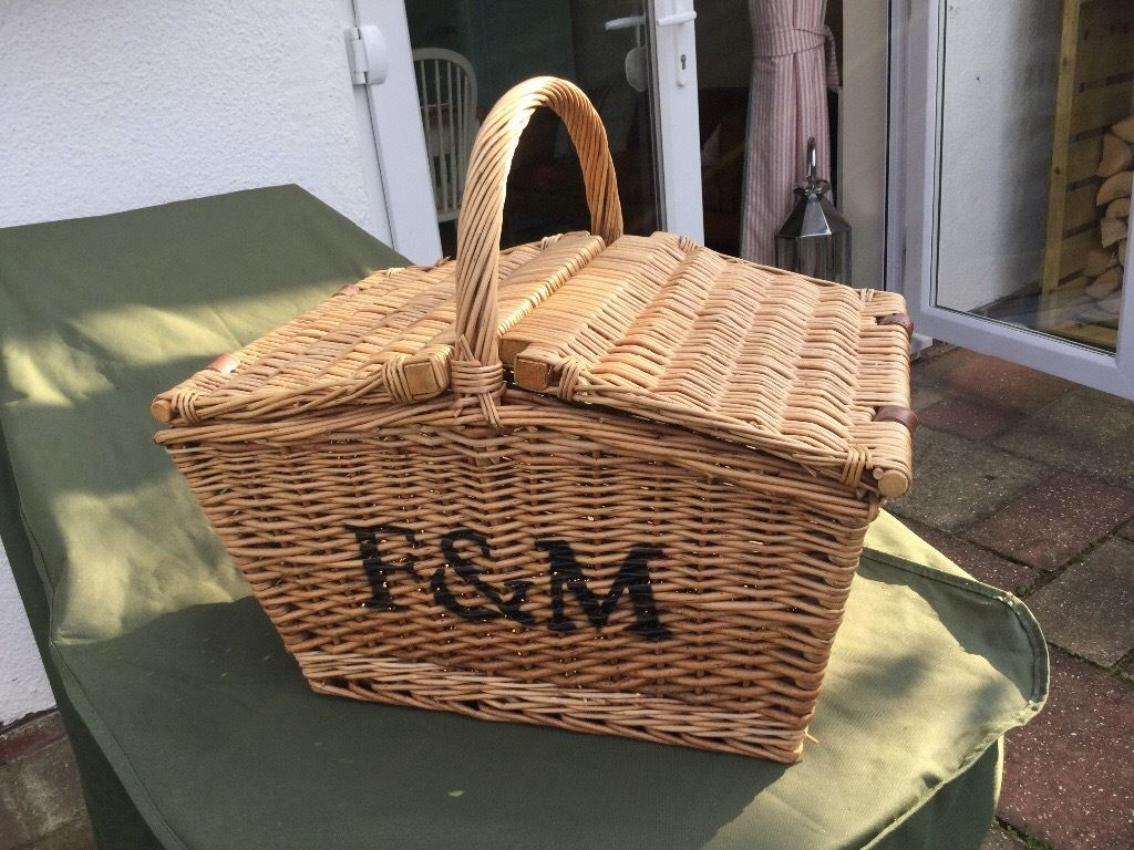 Fortnum and mason empty basket