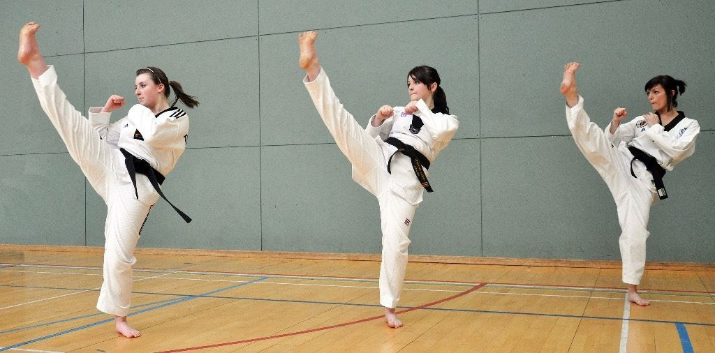 TAEKWONDO - GLASGOW. Adult & Child Classes for all levels