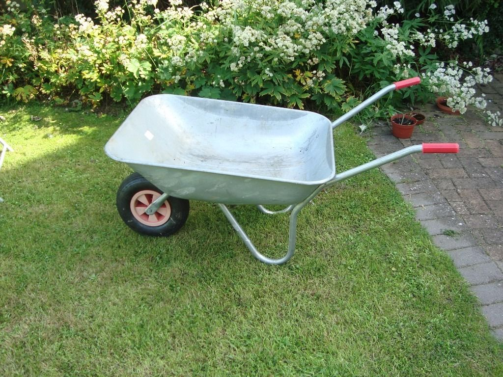 Wheelbarrow with galvanised pan & pneumatic tyre