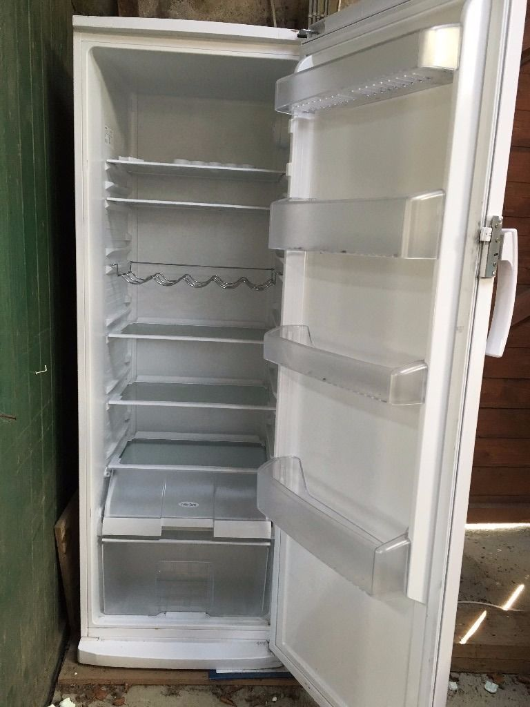 Large upright Larder Fridge - Beko TLDA628W 339L