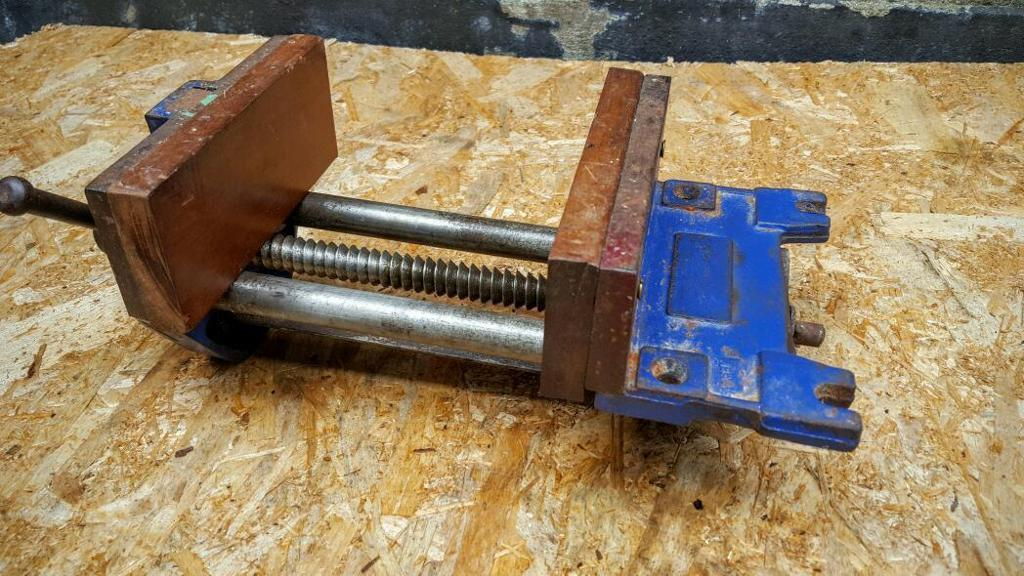 RECORD 52 ED WOODWORKING VICE