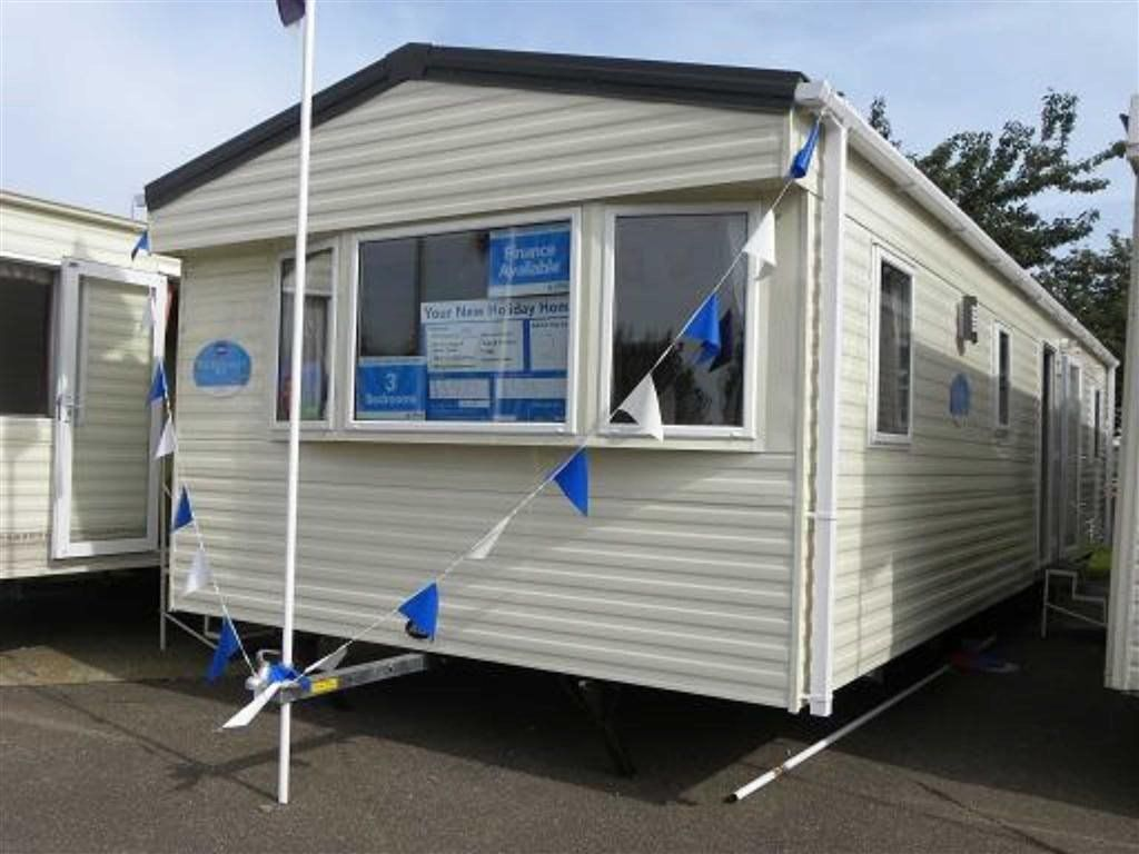 Beautiful  Caravan Holiday Hire At Hoburne Cotswold Cirencester Gloucestershire