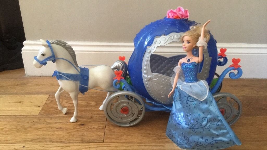 CINDERELLA CARRIAGE & DOLL