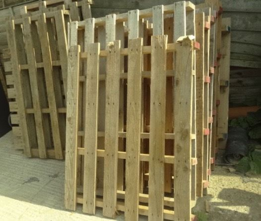 Wooden Pallets, 10 assorted sizes