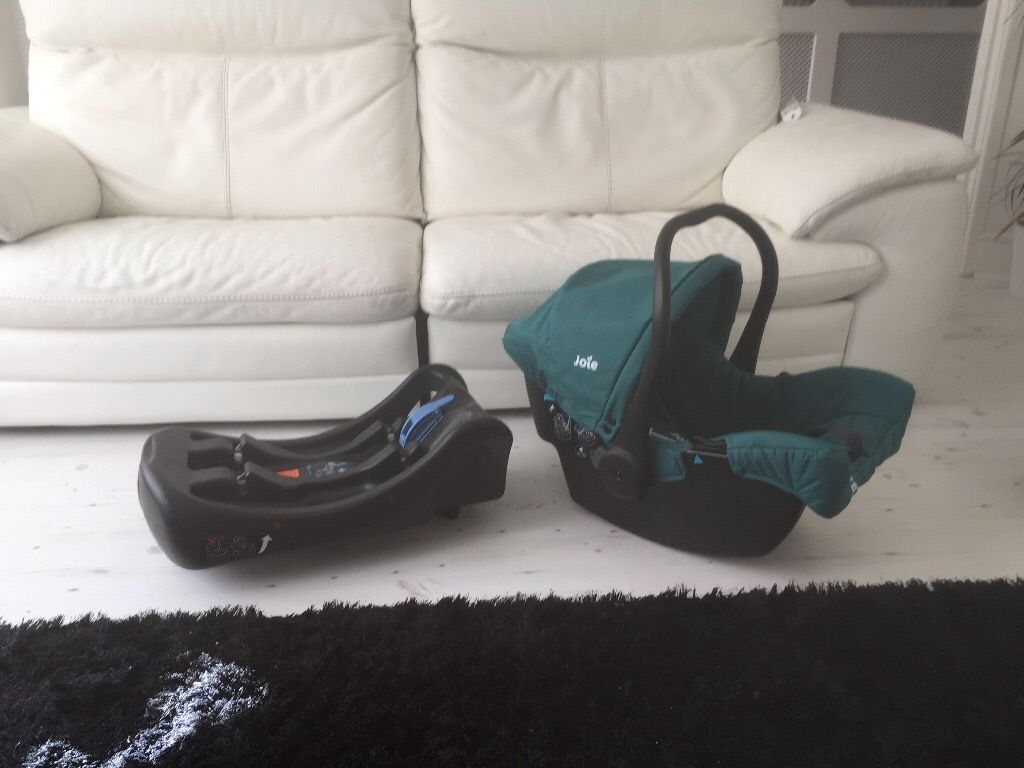 Joie Baby Car Seat and Base Never used Light Green Colour