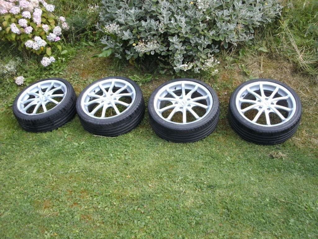 """17"""" Alloy wheels and tyres, 205/40/17"""