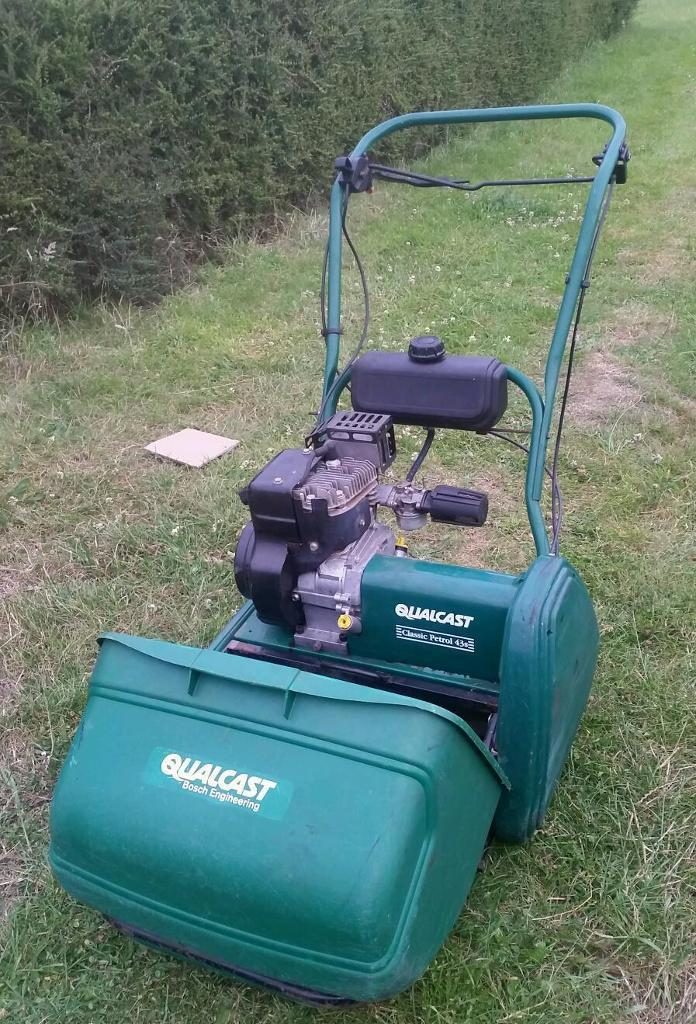 Qualcast classic 43s Petrol Lawnmower