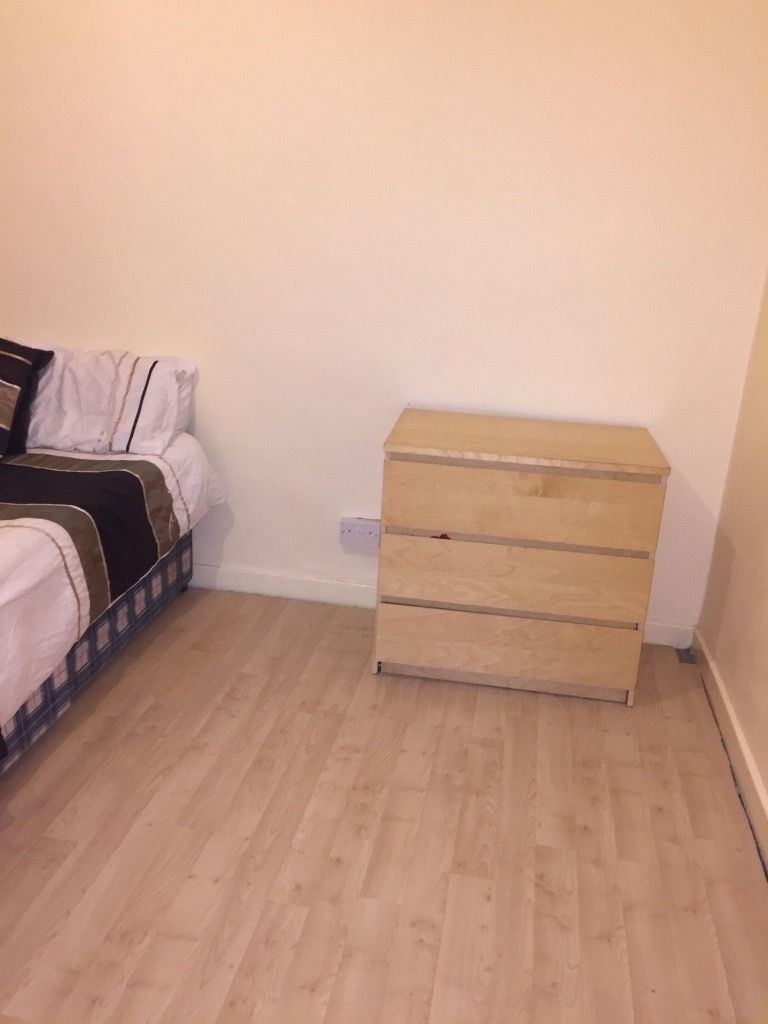 Bills included- Double Room in Charlton